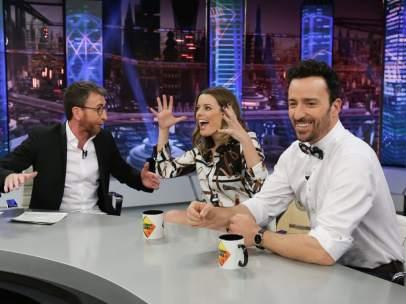 Pablo Puyol y Adriana Torrebejano, en 'El hormiguero'.