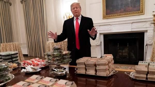 Trump ofrece comida rápida en la Casa Blanca