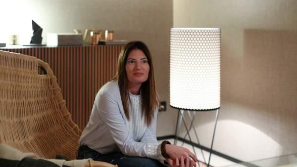 Meritxell Ribé a l'interior de l'Espai París de The Room Studio.