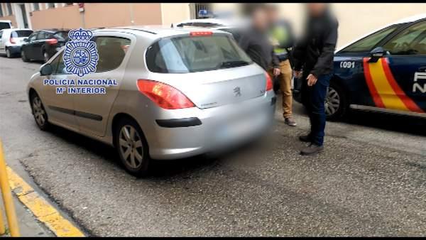 Detenido por el robo en el interior de 10 vehículos aparcados en Pamplona