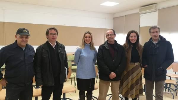 La alcaldesa de Alcalá de Guadaíra (Sevilla) visita el CEIP San Mateo
