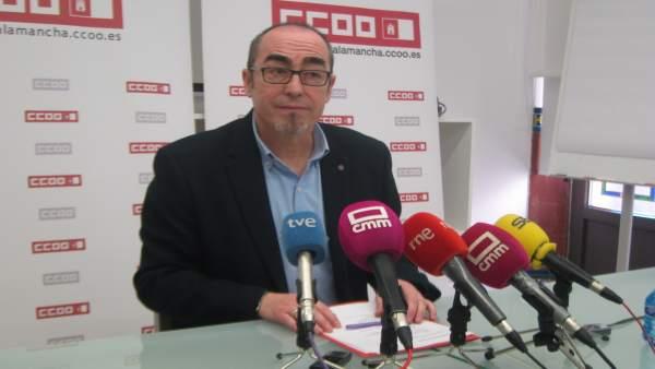 Secretario regional de CCOO, Paco de la Rosa
