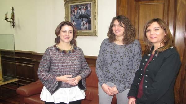 La alcaldesa de Teruel con responsables de Asapme