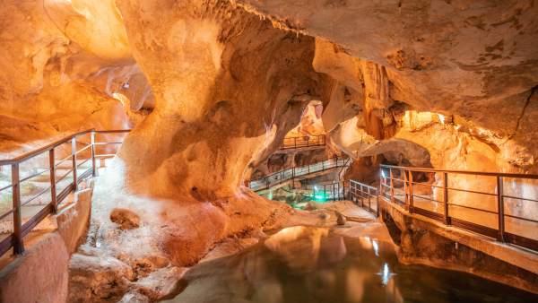 Cueva del Tesoro de Rincón de la Victoria