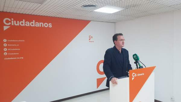 Diego Clemente, diputado nacional de Cs, en rueda de prensa
