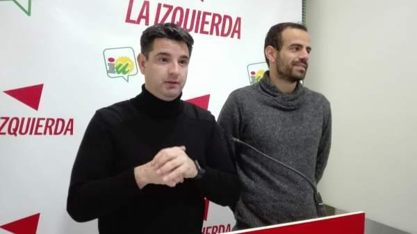 García y Bustamante en la sede de IU en Córdoba