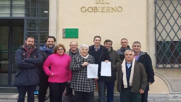 Petición de reunión con Juanma Moreno