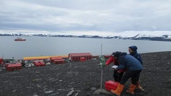 Investigadores de la Universidad de Cádiz en la Antártida