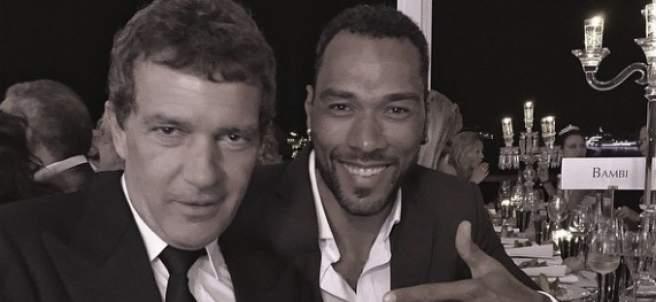 John Carew posa con Antonio Banderas en el Festival de Cannes.