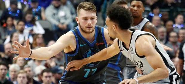 Dennis Smith Jr. pide el traspaso a Dallas al verse eclipsado por Doncic