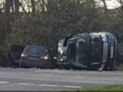 El duque de Edimburgo sale ileso tras volcar su coche