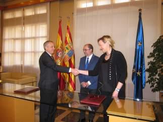 Lambán, Gastón y Navarro han suscrito hoy el acuerdo para asistir al SIL 2019