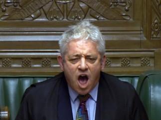 """El Parlamento británico rechaza el acuerdo del """"brexit"""" de May."""