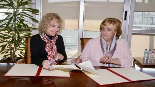 Firma del convenio con AMAT