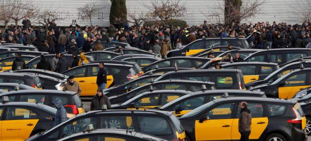 Los taxistas exigen pasar de