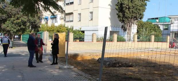 Obras para instalar un área ajardinada en la avenida de los Gavilanes