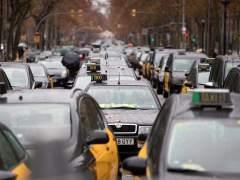 Protesta de taxistas en la Gran Via de Barcelona.