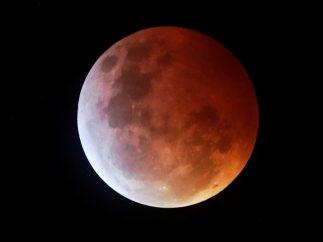 Superluna roja en Guatemala