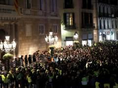 Los taxistas presumen del éxito de su huelga, pero sin hallar aún soluciones en los gobiernos de Madrid y Cataluña