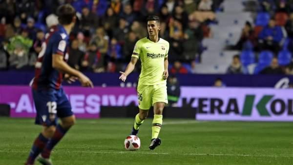 El jugador del FC Barcelona Chumi, contra el Levante