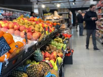 Frutas en un supermercado