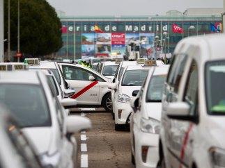 Ifema, rodeado por taxis