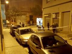 Dispositivo policial en el tiroteo ocurrido en la calle Gibraltar del barrio de Rocafonda de Mataró.