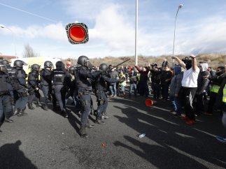 La Policía carga en la M-40