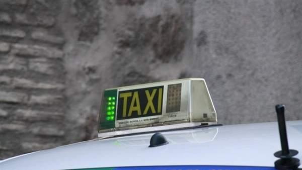 """La Confederació del Taxi crida als taxistes valencians a """"posar-se el jupetí groc"""""""