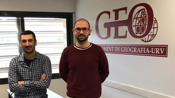 Los investigadores de la URV Aaron Gutiérrez y Antoni Domènech