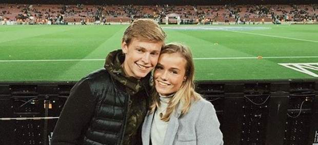 De Jong y su novia