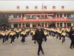 Con esta energía se despiertan estos 700 niños del norte de china