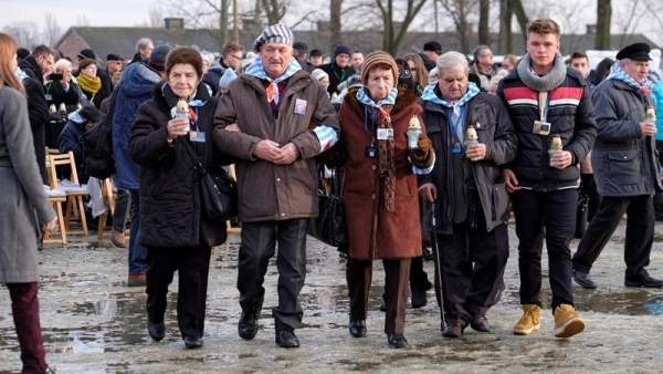 74 aniversario de la liberación de Auschwitz