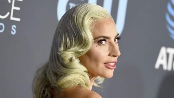 Lady Gaga en los 'Critics' Choice Awards'