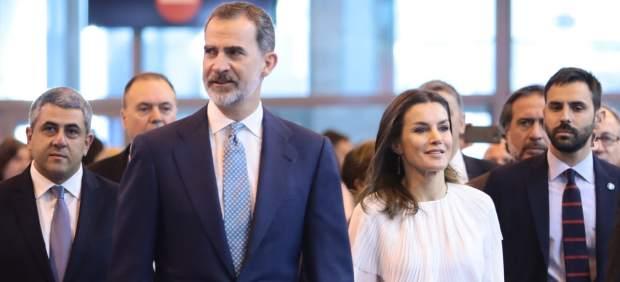 Los Reyes durante su visita en la primera jornada de 'Fitur 2019'