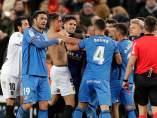 Pelea sobre el césped de Mestalla