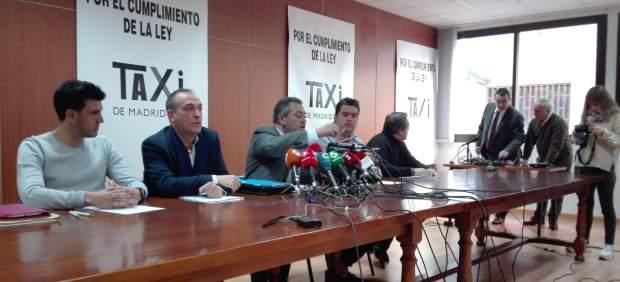 Las asociaciones del taxi en rueda de prensa