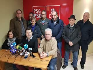 Rueda de prensa de socialistas en O Carballiño (Ourense).