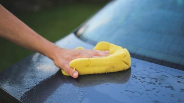 Trucos caseros para mantener tu coche limpio