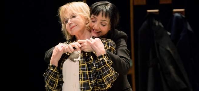 Bulle Ogier y María de Medeiros, madre e hija en la obra 'Un amour impossible'.