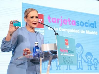 Cristina Cifuentes, en la presentación de la Tarjeta Social