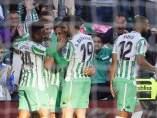 El Real Betis celebra un gol contra el Atlético de Madrid.