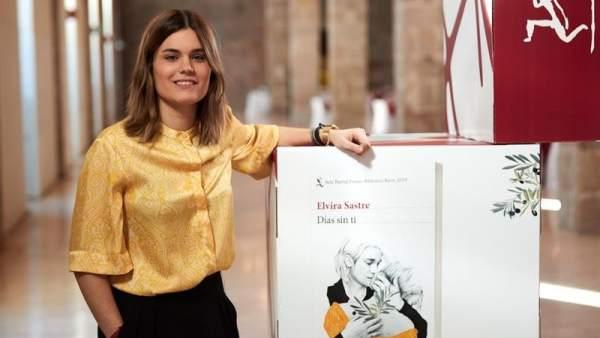 La joven poeta Elvira Sastre, Premio Biblioteca Breve con su
