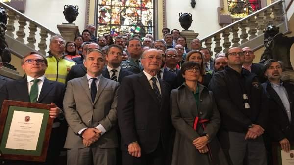 El Ayuntameinto reconoce a los participantes en el rescate de Julen