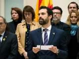 El presidente del Parlament catalán, Quim Torra, leyendo la declaración institucional sobre el inicio del juicio del 1-O.
