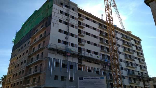 Edificio de nueva construcción en Santa Adela