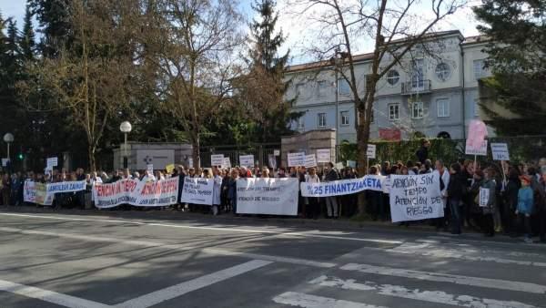 Profesionales de Atención Primaria se manifiestan en Vitoria para denunciar la '