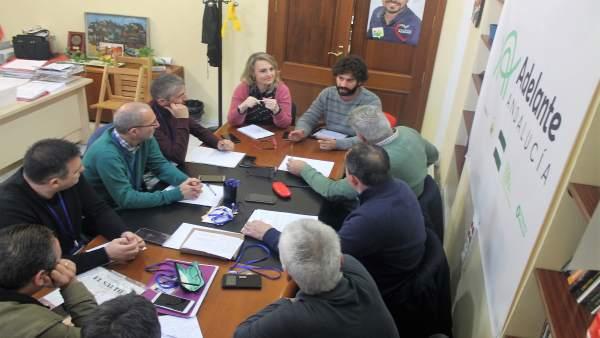 Reunión de IU y Participa con el sector del taxi