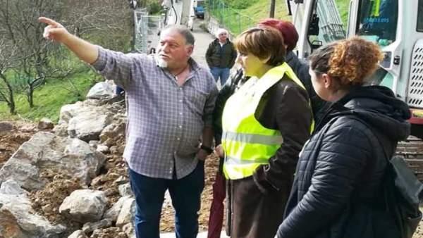 Visita de la concejala de Infraestructuras, Ana Rivas, a la zona rural tras el t