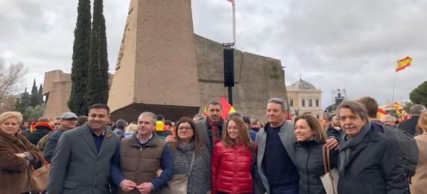 Xavier Pericay, entre otros representantes de Cs Baleares en la concentración de